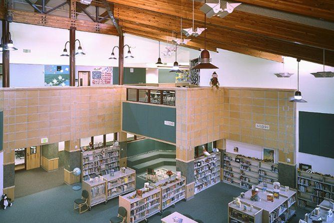 Cascade Ridge Elementary School library